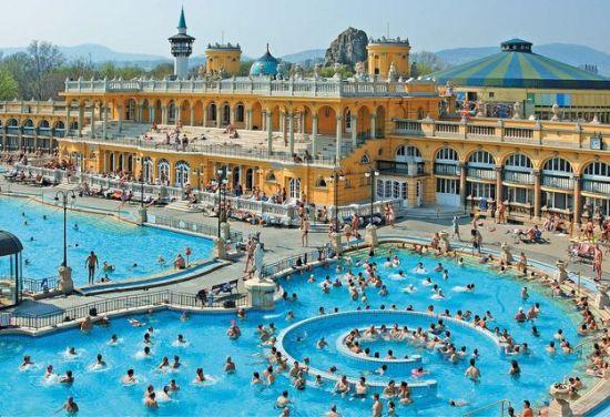 Spectacular Pools Around the World: Szechenyi Baths, Budapest