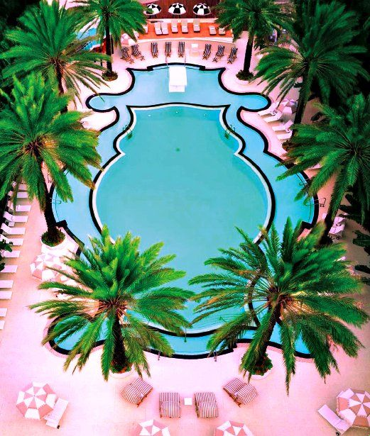 Spectacular Pools Around the World: The Raleigh Hotel, Miami