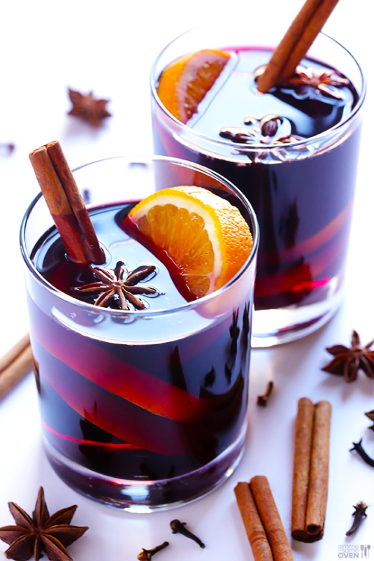 7 Winter Cocktails to Warm Your Soul // Mulled Wine