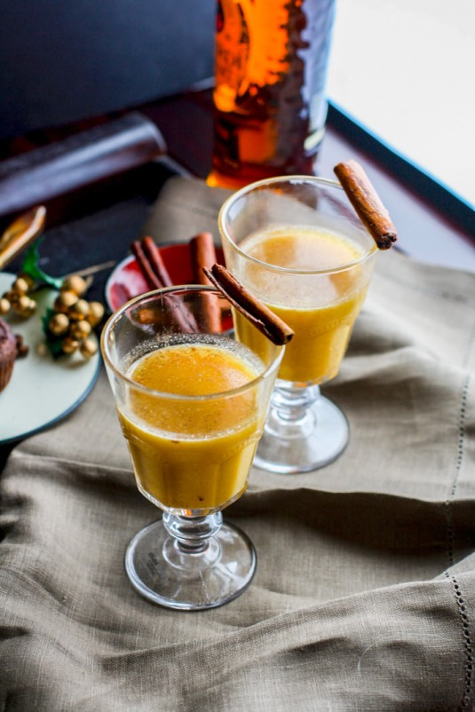 7 Winter Cocktails to Warm Your Soul // Spiced Pineapple Rum